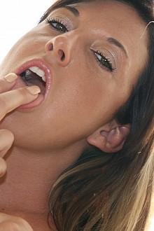 Amateur Porn Model Fiona Cheeks